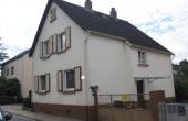 VERKAUFT!! Renovierungsbed. 1-2-FH m. Garage in Darmstadt-Eberstadt